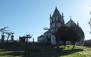 9.Igreja de S. Martinho de Caramos e Via Crucis